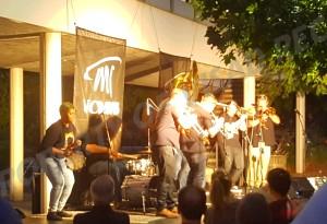 davis-band-preshow